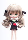 Twin wavy pony tails with ribbon is famous to doll users.It left long tresses at the sides to frame the face.It is a beautiful style which suitable for anylook .